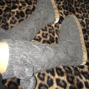 Rare vs pink mukluk slipper boots